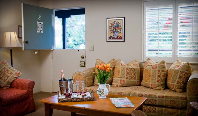 Carmel Lodging - 2 Bed 2 Bath Pet Friendly Inn
