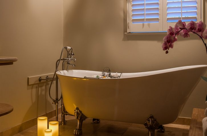 Clawfoot tubs add character and charm