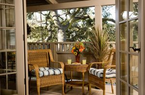 Luxury King Suite patio with table and chairs